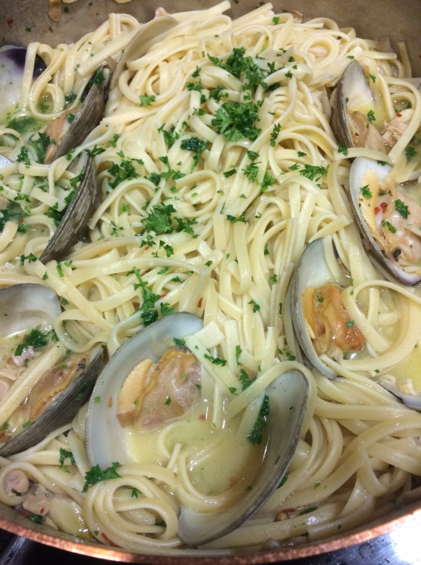 Linguine con le Vongole (Linguine with Clams)